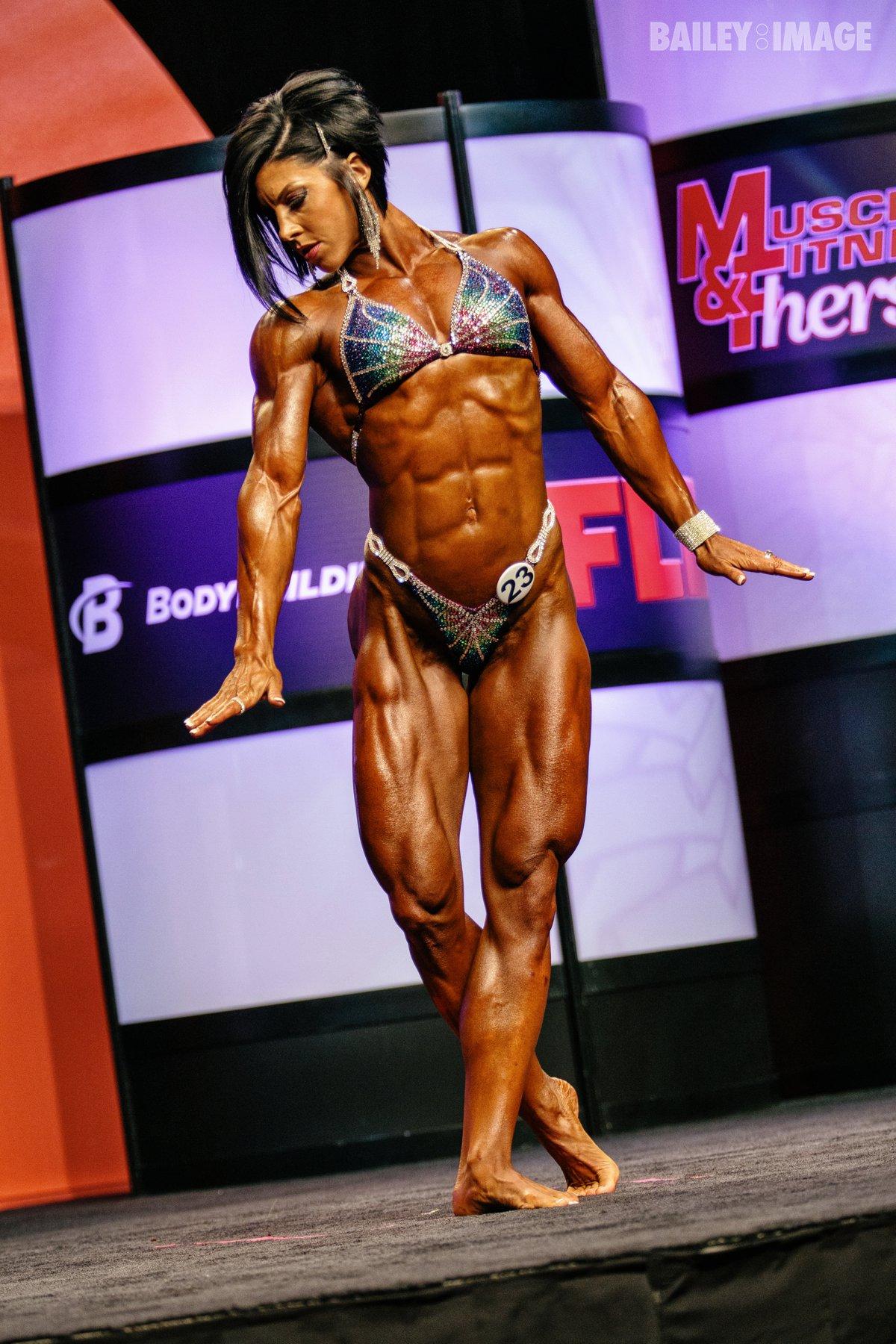 dana linn bailey having a mental breakdown - Bodybuilding